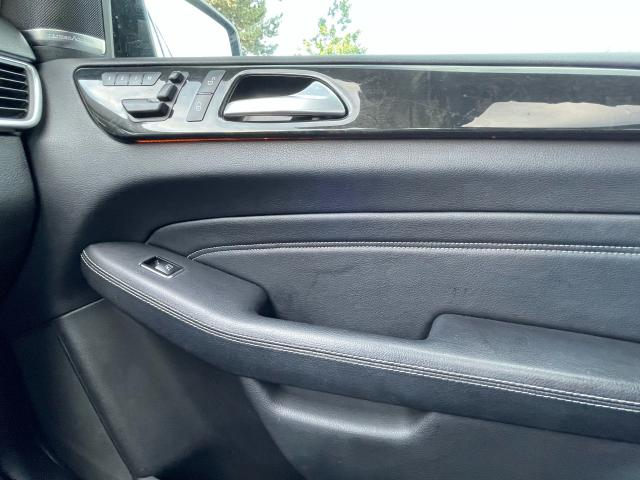 2015 Mercedes-Benz M-Class ML 400 Navigation /Panoramic Sunroof /Leather Photo17
