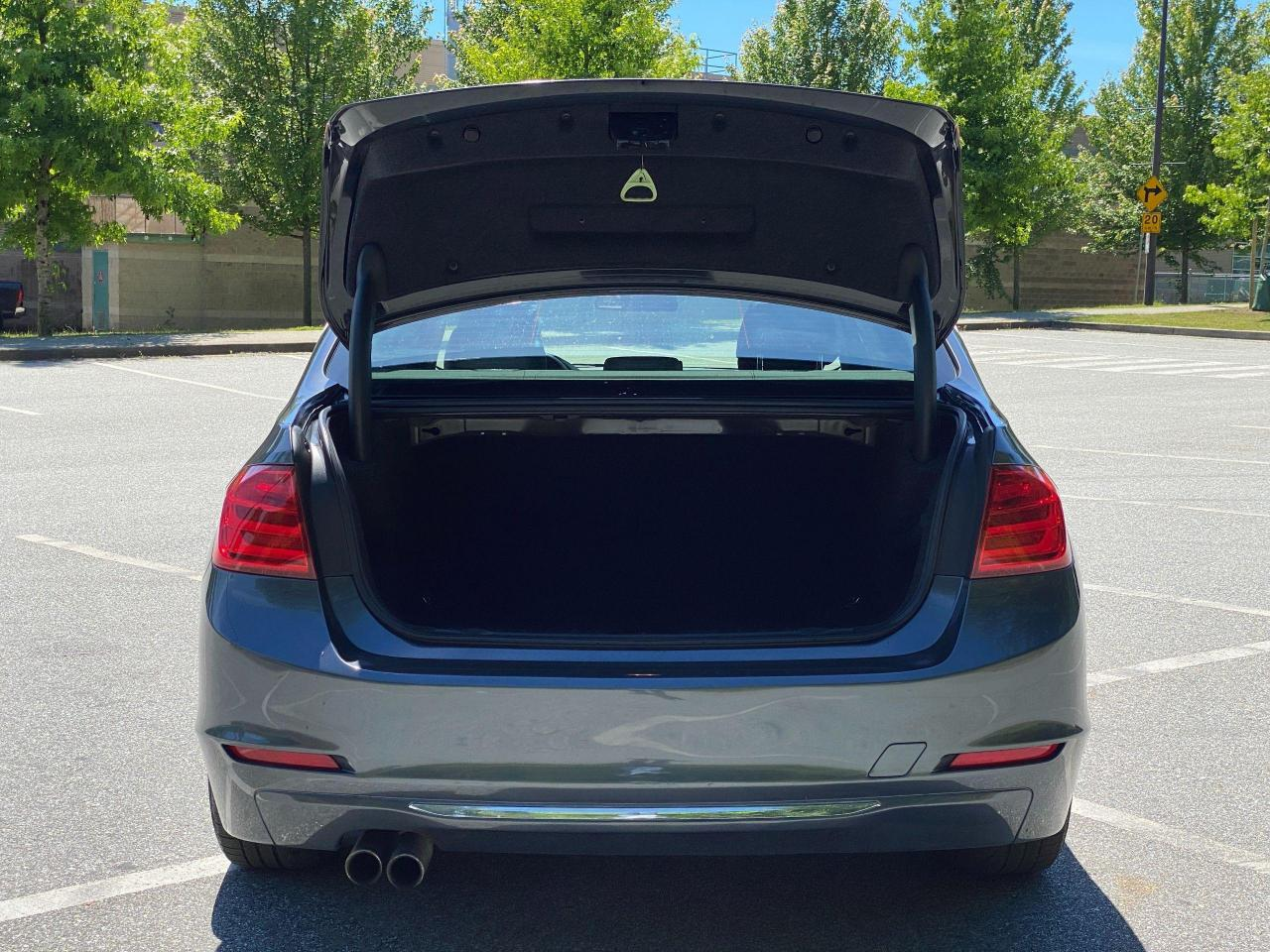 2014 BMW 3 Series 328i xDrive Photo5