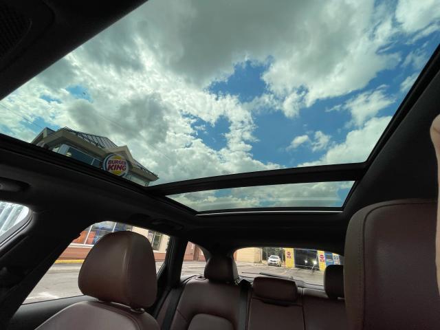 2016 Audi A4 Technik  All Road Navigation/Panoramic Sunroof Photo12