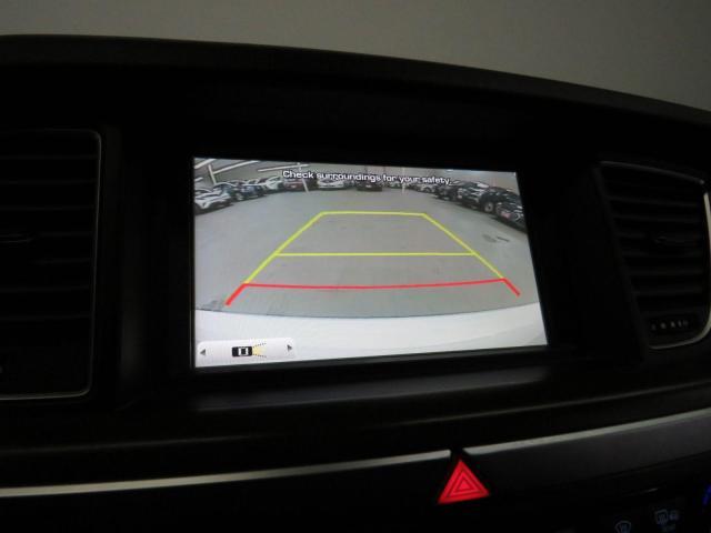 2016 Hyundai Genesis Tech Navigation Leather Pano-Roof Backup Cam