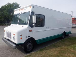 Used 2006 Workhorse Utilimaster 18 Foot Dually Cube Cargo Van for sale in Burnaby, BC