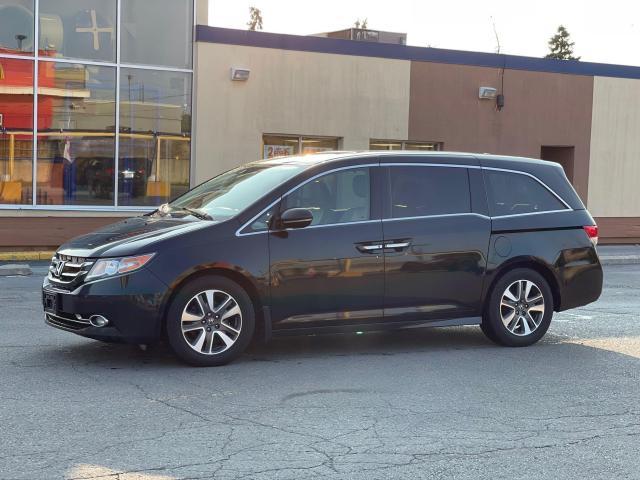 2015 Honda Odyssey Touring Navigation /DVD/Sunroof /Camera Photo2