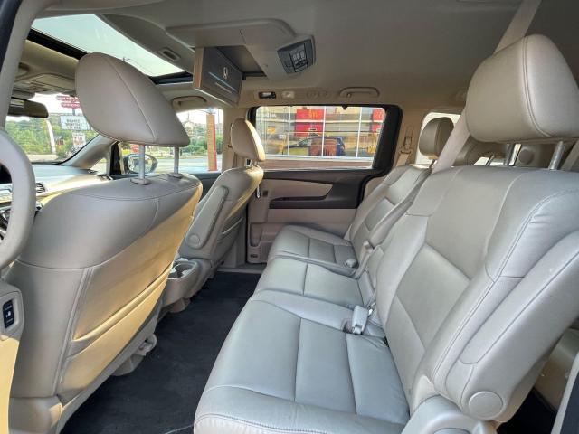 2015 Honda Odyssey Touring Navigation /DVD/Sunroof /Camera Photo12