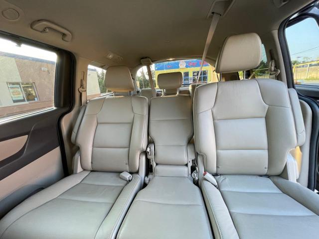 2015 Honda Odyssey Touring Navigation /DVD/Sunroof /Camera Photo14