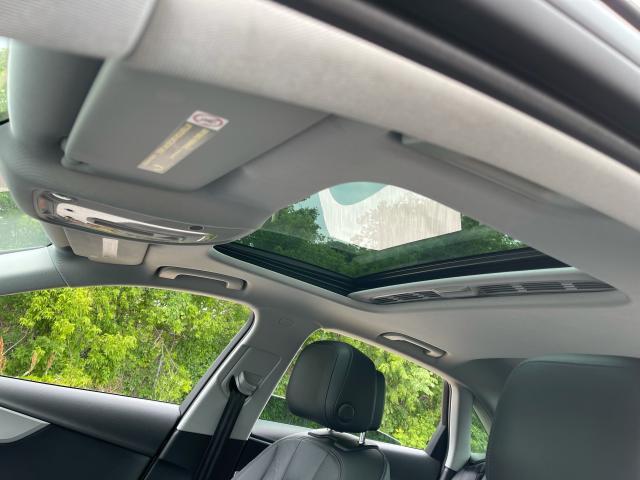 2017 Audi A4 Premium AWD  Leather/Sunroof /Camera Photo11