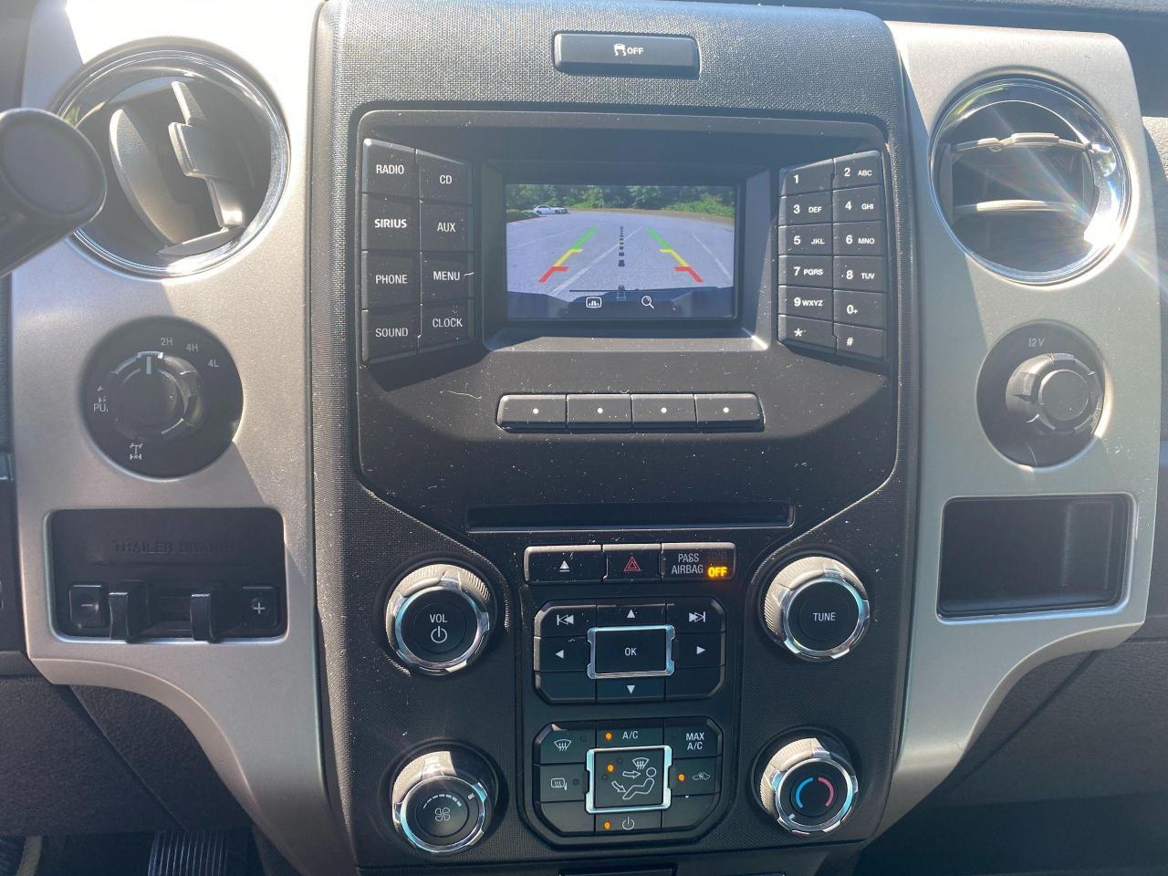 2014 Ford F-150 XLT Photo15