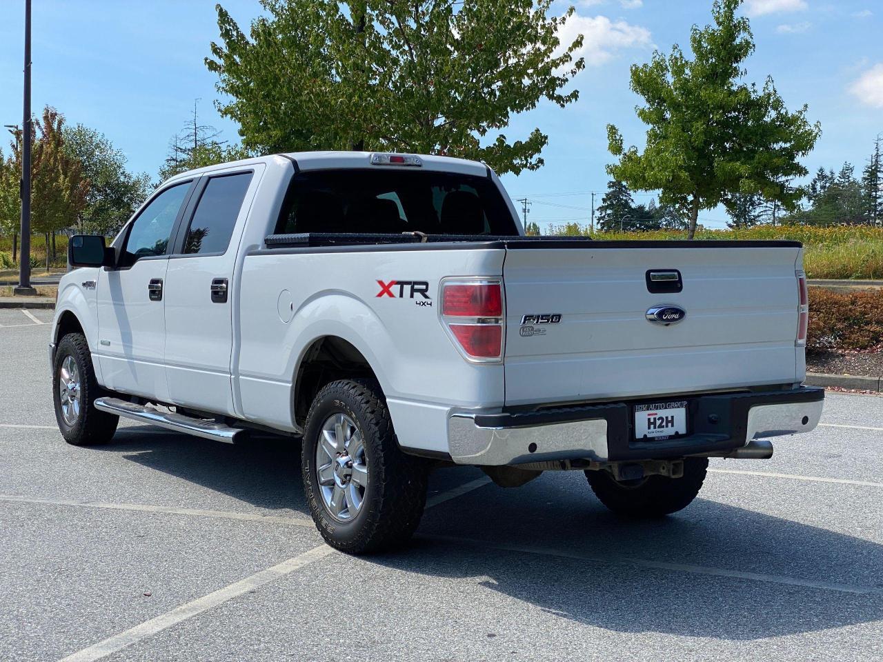 2014 Ford F-150 XLT Photo3