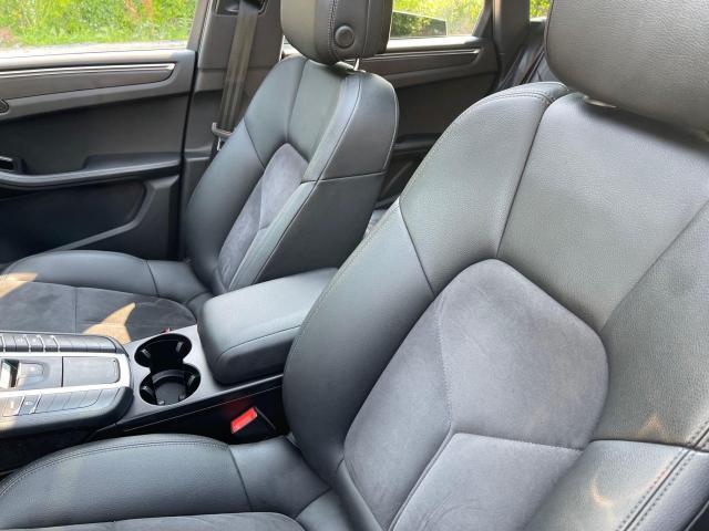 2017 Porsche Macan Premium  AWD Navigation /Sunroof /Camera Photo10