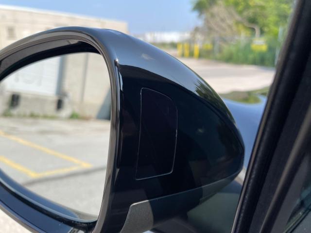 2017 Porsche Macan Premium  AWD Navigation /Sunroof /Camera Photo13
