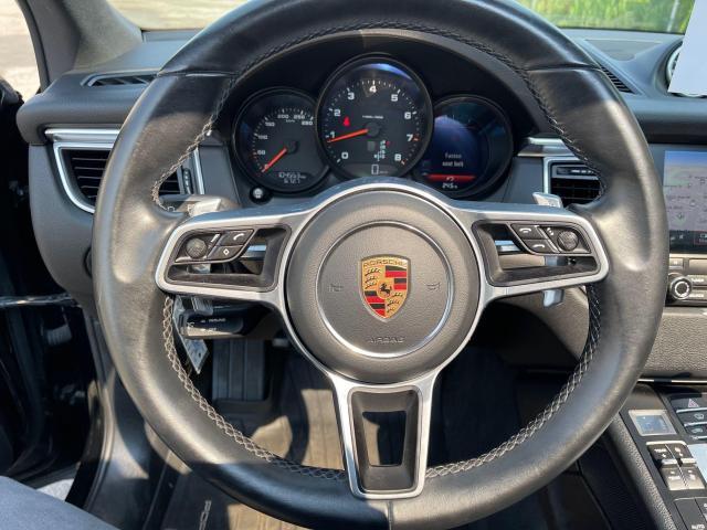 2017 Porsche Macan Premium  AWD Navigation /Sunroof /Camera Photo15