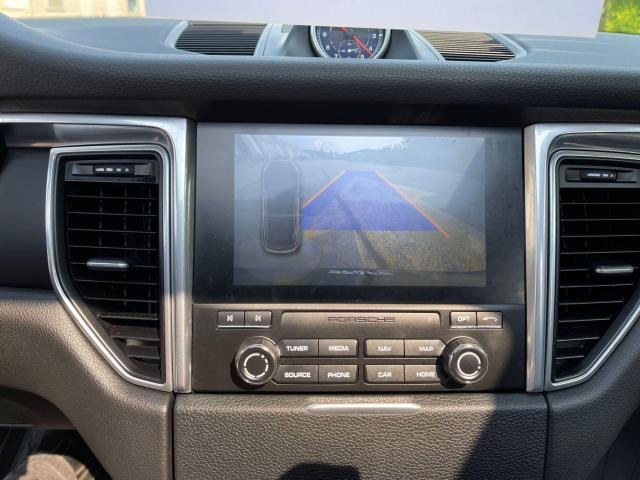 2017 Porsche Macan Premium  AWD Navigation /Sunroof /Camera Photo18
