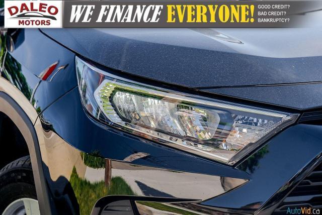 2020 Toyota RAV4 XLE / AWD / PANO ROOF / BACK UP CAM / HEATED SEATS Photo2