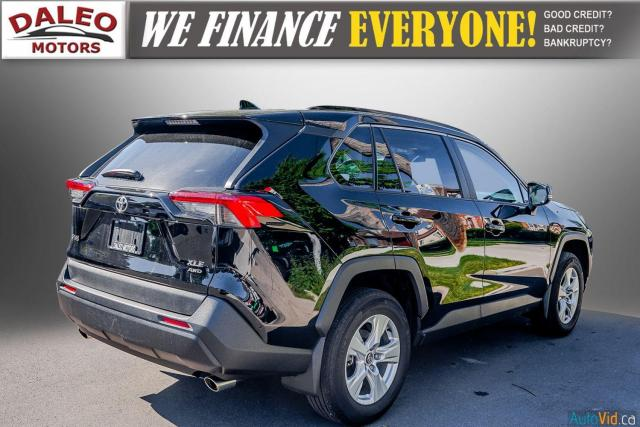2020 Toyota RAV4 XLE / AWD / PANO ROOF / BACK UP CAM / HEATED SEATS Photo8