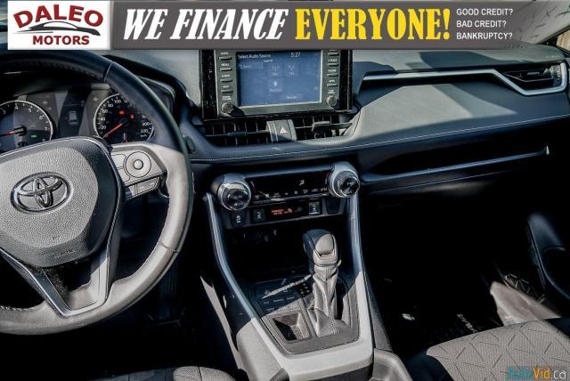 2020 Toyota RAV4 XLE / AWD / PANO ROOF / BACK UP CAM / HEATED SEATS Photo15