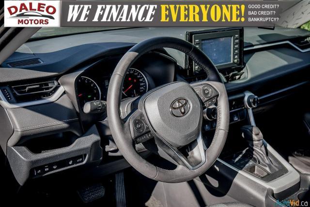 2020 Toyota RAV4 XLE / AWD / PANO ROOF / BACK UP CAM / HEATED SEATS Photo17
