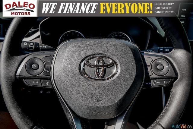 2020 Toyota RAV4 XLE / AWD / PANO ROOF / BACK UP CAM / HEATED SEATS Photo19