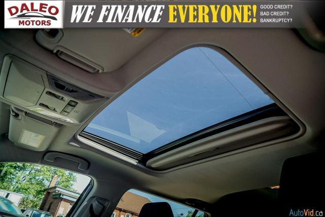 2020 Toyota RAV4 XLE / AWD / PANO ROOF / BACK UP CAM / HEATED SEATS Photo26