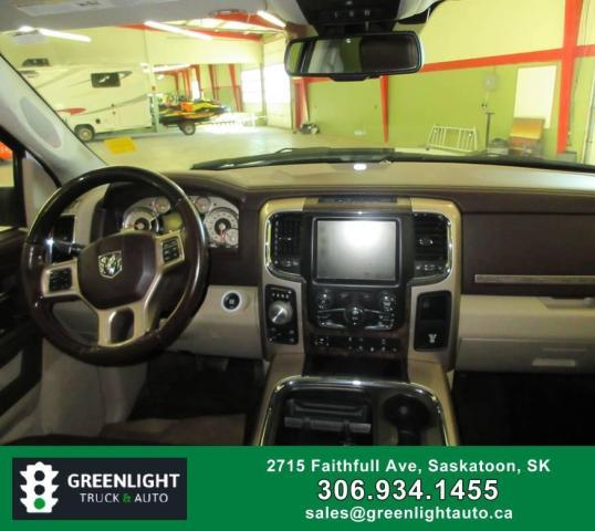 2017 RAM 1500 Longhorn Crew Cab LWB 4WD Photo12