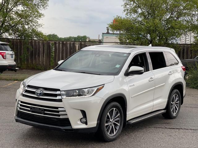 2017 Toyota Highlander Hybrid XLE Navigation /Sunroof /Leather /Camera Photo1