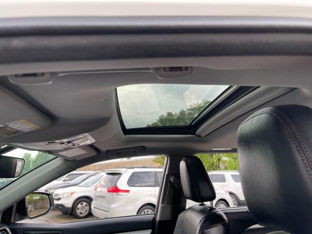 2017 Toyota Highlander Hybrid XLE Navigation /Sunroof /Leather /Camera Photo12