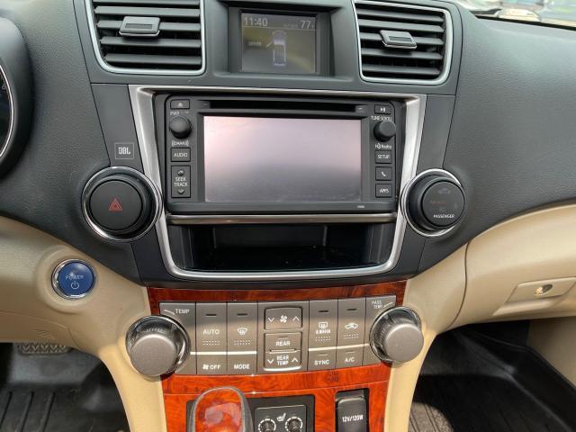 2013 Toyota Highlander Hybrid Limited Navigation /Sunroof /7Pass/Camera Photo15