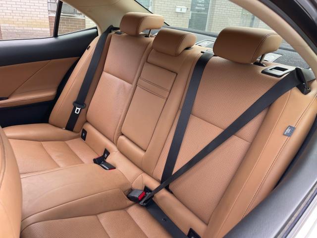 2014 Lexus IS 250 Premium  AWD Leather/Sunroof/Rear Camera Photo9