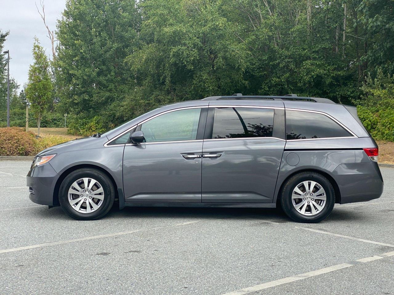 2015 Honda Odyssey EX-L Photo3