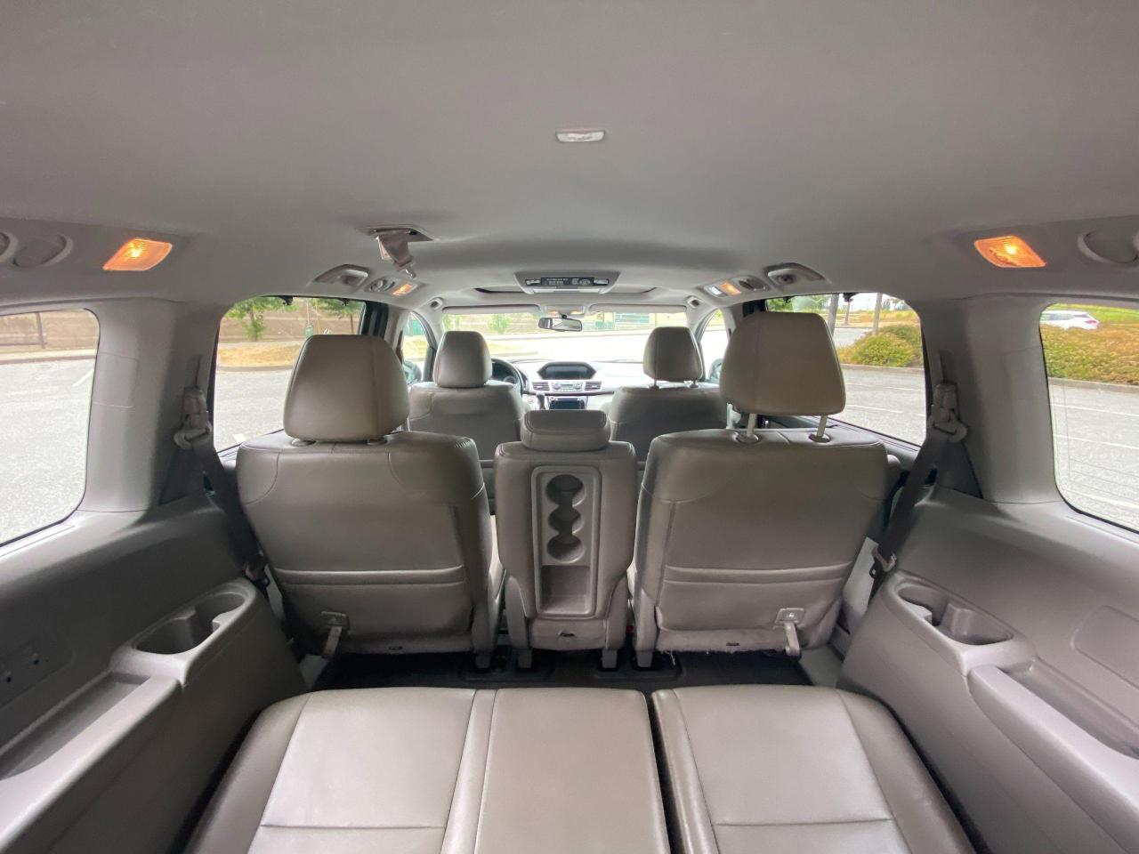2015 Honda Odyssey EX-L Photo11