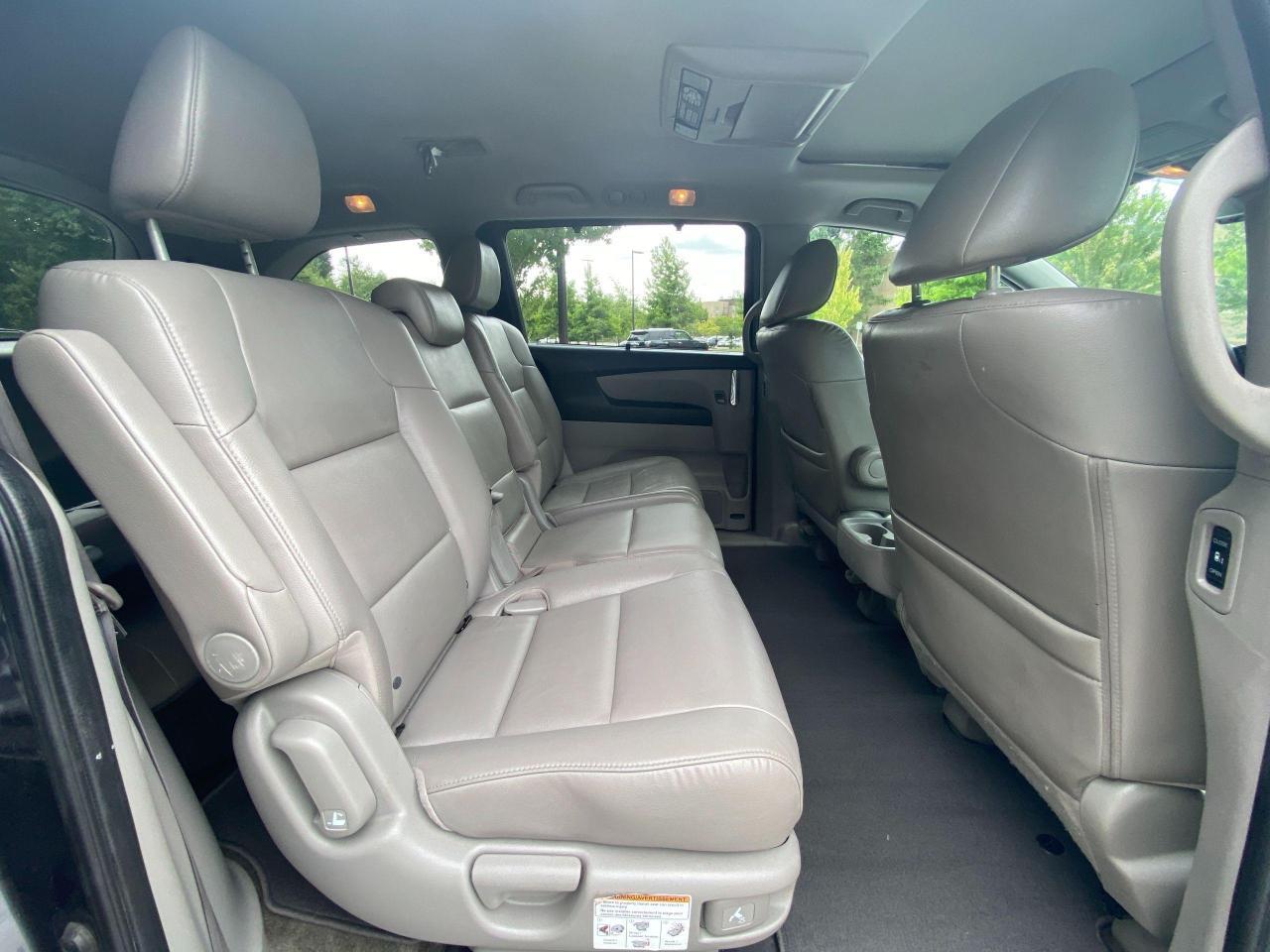 2015 Honda Odyssey EX-L Photo14