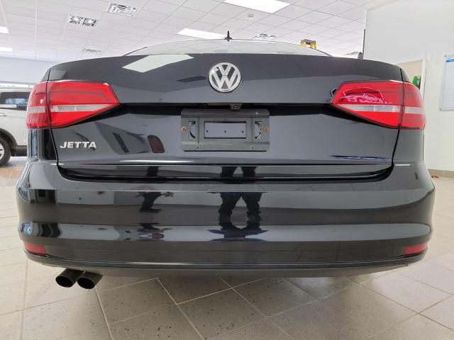 2015 Volkswagen Jetta 4dr 2.0L Man Trendline+ Photo3