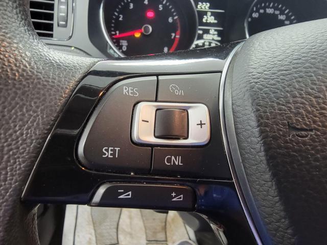2015 Volkswagen Jetta 4dr 2.0L Man Trendline+ Photo16