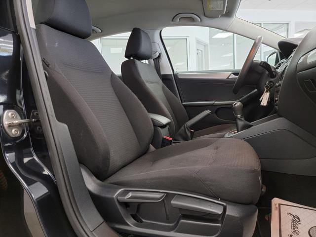 2015 Volkswagen Jetta 4dr 2.0L Man Trendline+ Photo29