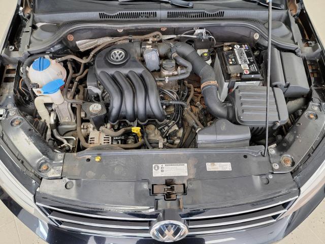 2015 Volkswagen Jetta 4dr 2.0L Man Trendline+ Photo33