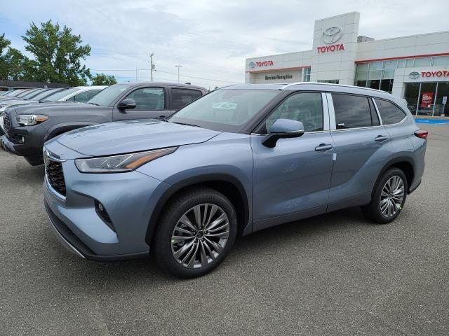 2021 Toyota Highlander Platinum - Premium Color
