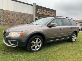Used 2011 Volvo XC70 T6 Level III AWD LEATHER SUNROOF ALLOYS for sale in North York, ON