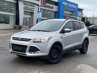 Used 2015 Ford Escape SE  / LEATHER / TWO SETS OF TIRES / LOADED / for sale in Brampton, ON