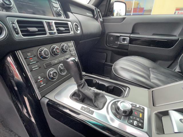 2011 Land Rover Range Rover HSE Navigation /Sunroof /DVD/Camera Photo17
