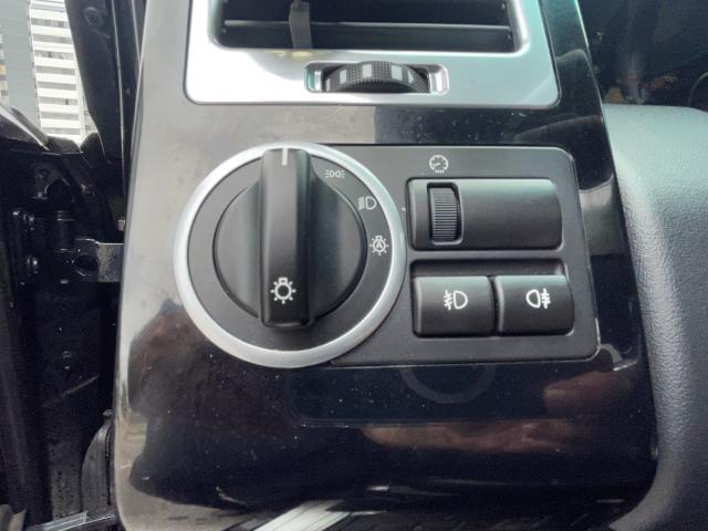 2011 Land Rover Range Rover HSE Navigation /Sunroof /DVD/Camera Photo16
