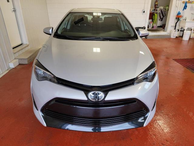 2018 Toyota Corolla LE Photo5