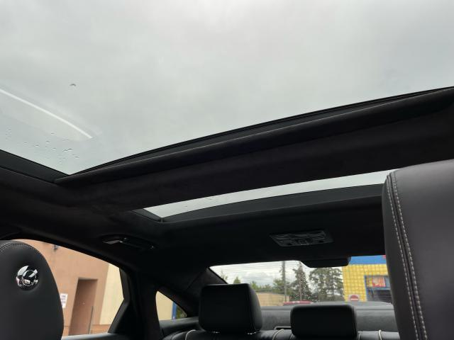 2011 Jaguar XJ Premium  Navigation/Panoramic Sunroof/Camera Photo13