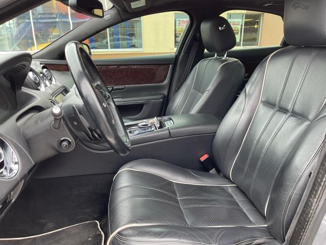 2011 Jaguar XJ Premium  Navigation/Panoramic Sunroof/Camera Photo8