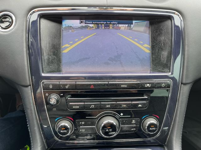 2011 Jaguar XJ Premium  Navigation/Panoramic Sunroof/Camera Photo15