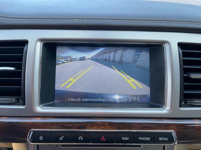 2014 Jaguar XF Premium  AWD  Navigation/Camera /Sunroof Photo16