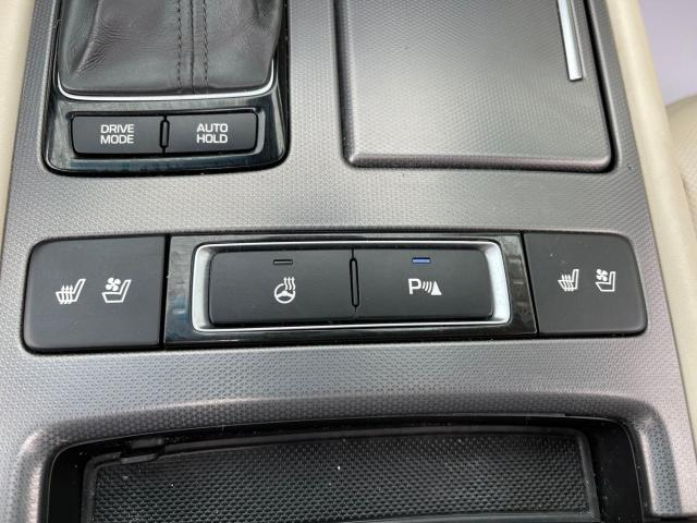 2015 Hyundai Genesis TECH PKG AWD NAVIGATION/HUD/BLIND SPOT Photo19