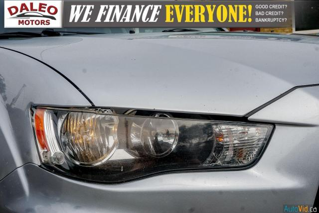 2011 Mitsubishi Outlander LS / KEYLESS GO /  REMOTE START / HEATED SEATED Photo2