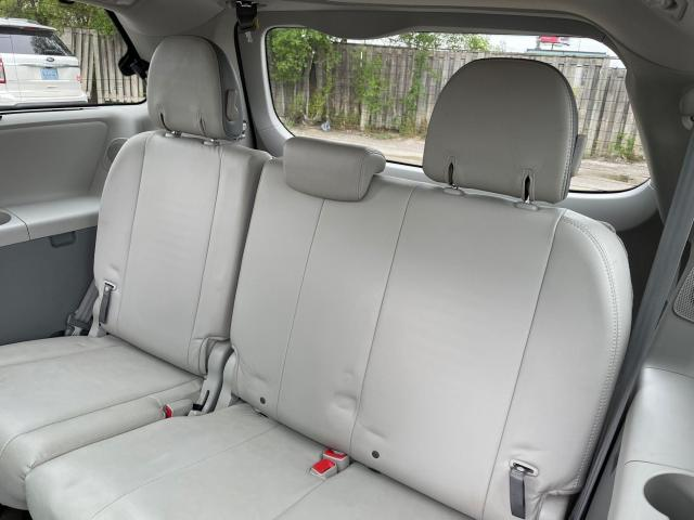 2013 Toyota Sienna Limited   Navigation/Panoramic Sunroof/DVD/Leather Photo9