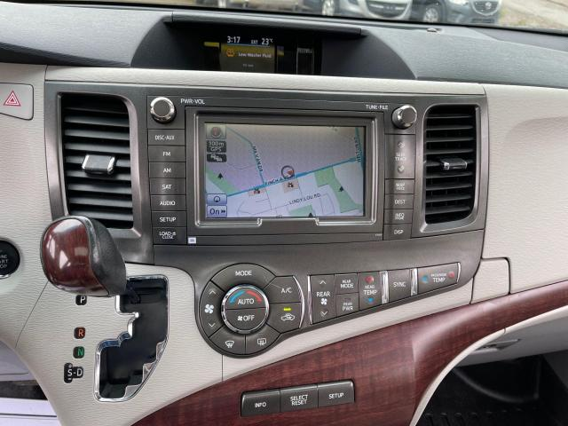 2013 Toyota Sienna Limited   Navigation/Panoramic Sunroof/DVD/Leather Photo17
