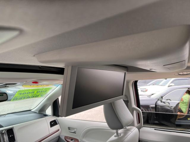 2013 Toyota Sienna Limited   Navigation/Panoramic Sunroof/DVD/Leather Photo20