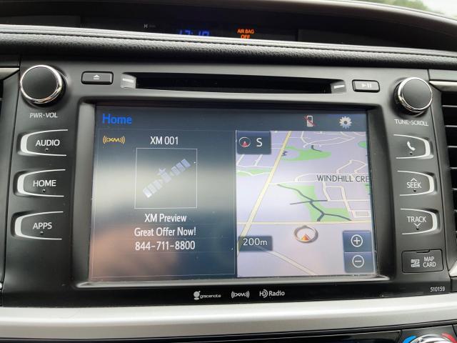 2016 Toyota Highlander XLE Navigation /Sunroof /Camera /8 Pass Photo13