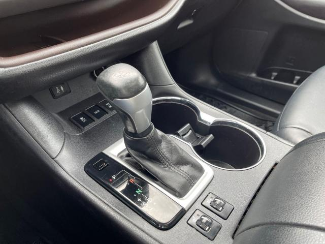 2016 Toyota Highlander XLE Navigation /Sunroof /Camera /8 Pass Photo14